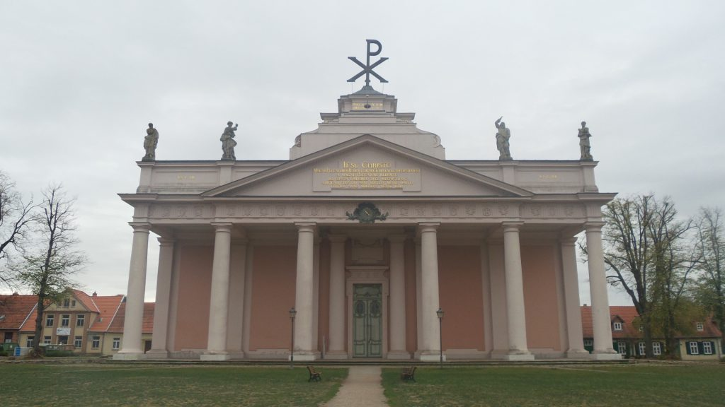 Portal der Stadtkirche Ludwigslust_01