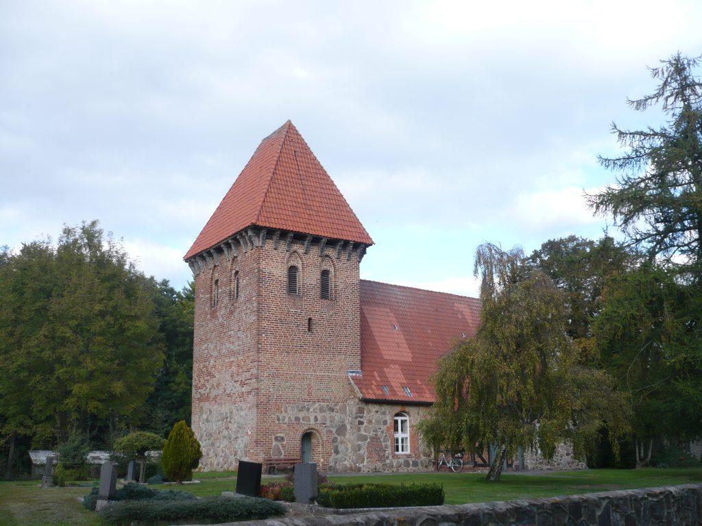 Zeetze_Feldsteinkirche 1305